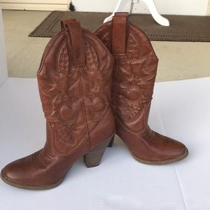 Mossimo brown heeled cowboy cowgirl boots